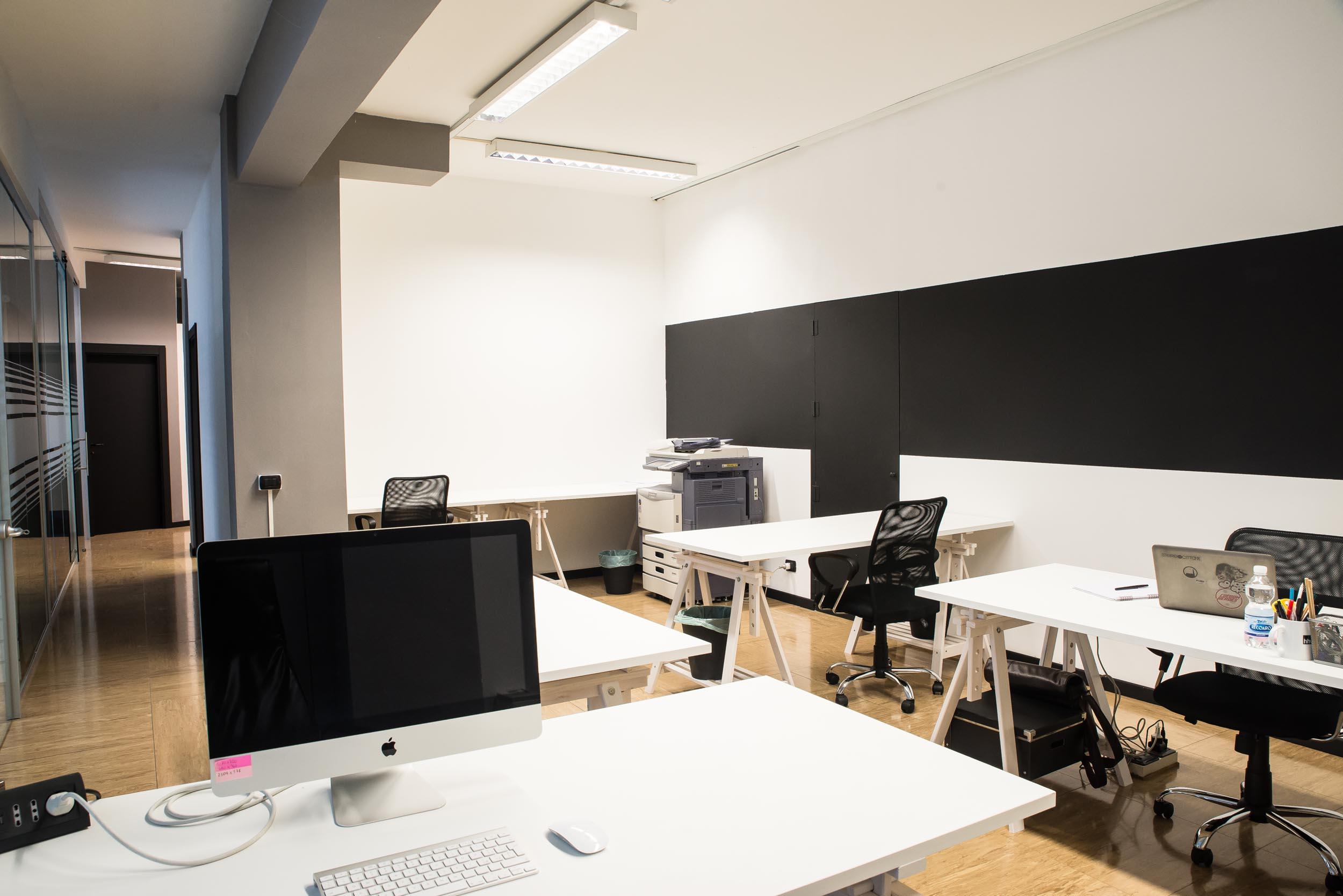 Scrivanie Ufficio Vicenza : Coworking vicenza officina business lab